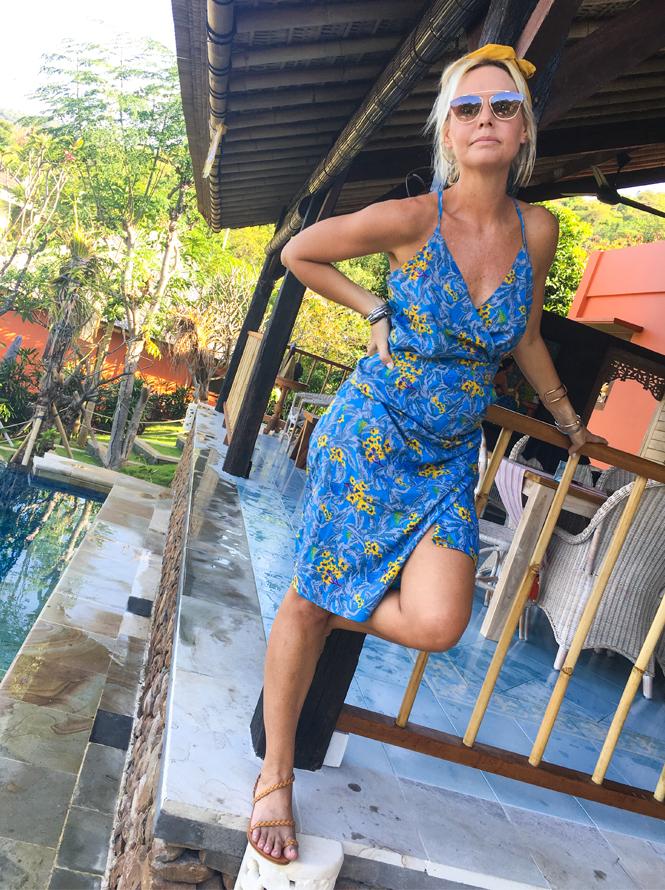 Tropical Vibes wearing Paulina Katarina